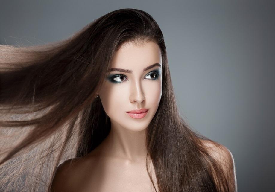 woman_with_darkening_hair